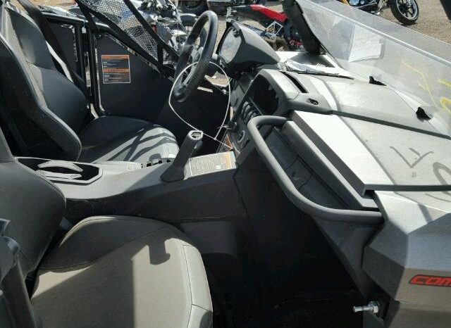 CAN-AM COMMANDER 2015 full